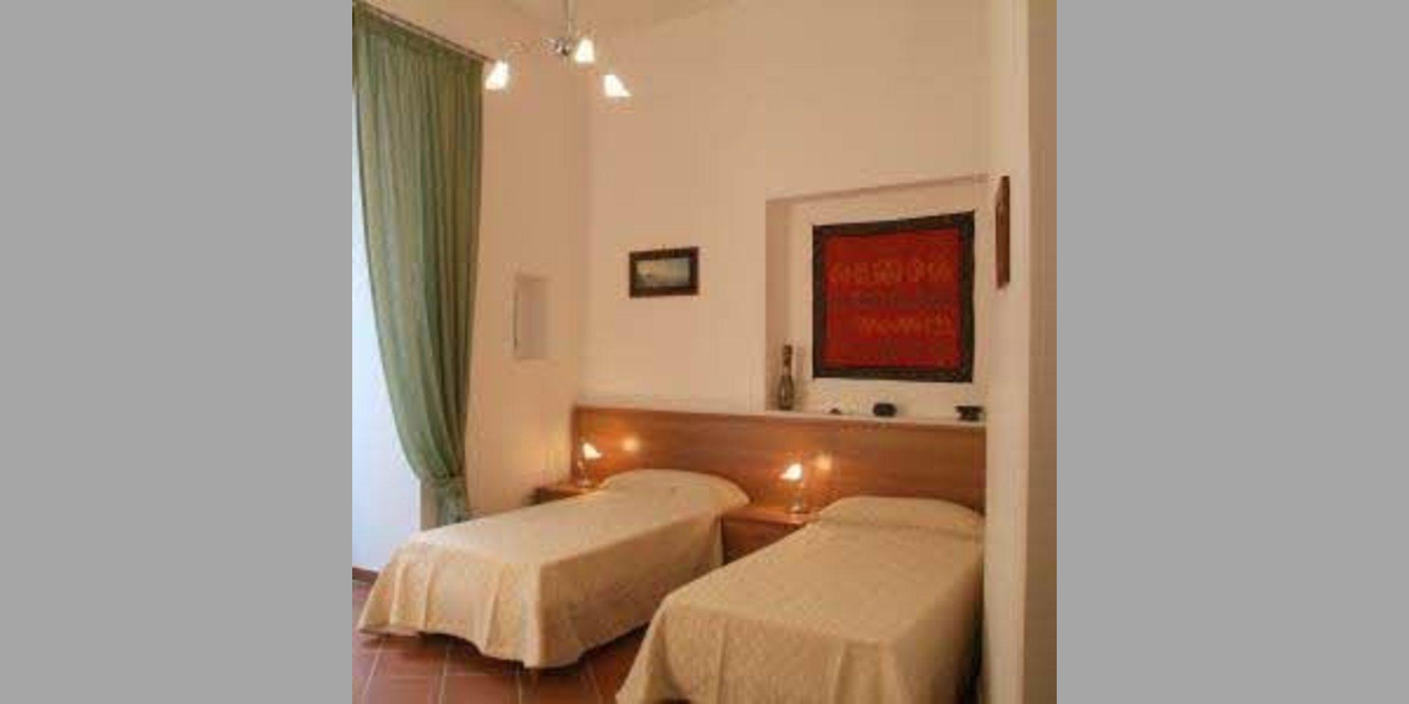 Bed & Breakfast Napoli - Santa Teresa Degli Scalzi1