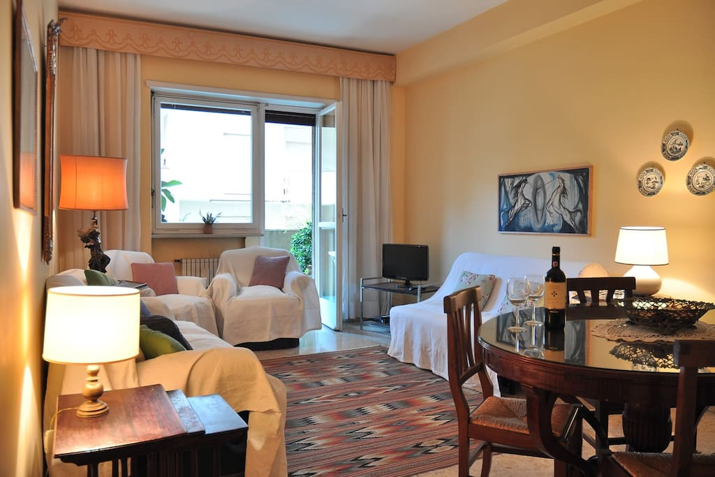 Bed & Breakfast Roma - Pompeo Trogo1