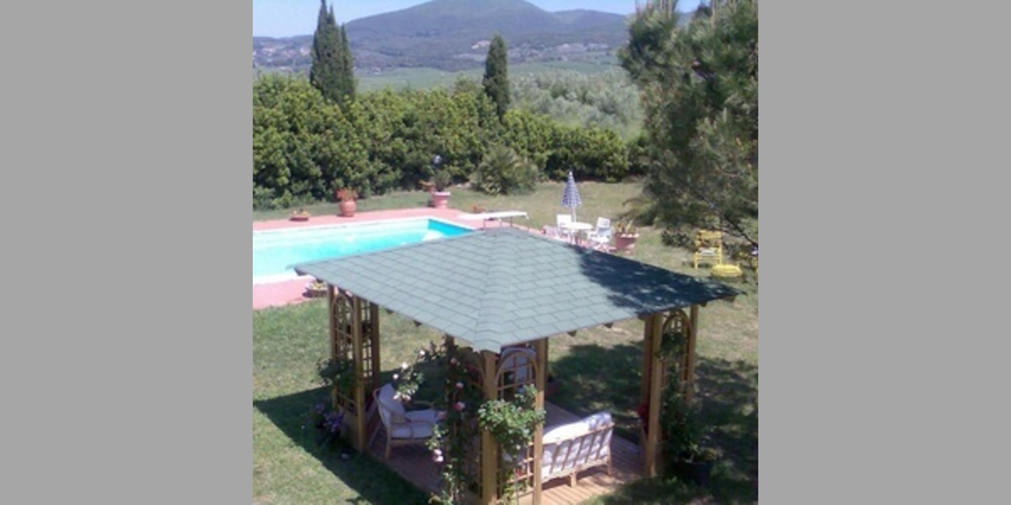 b_TX770_20120722032142_giardino_gazebo.jpg