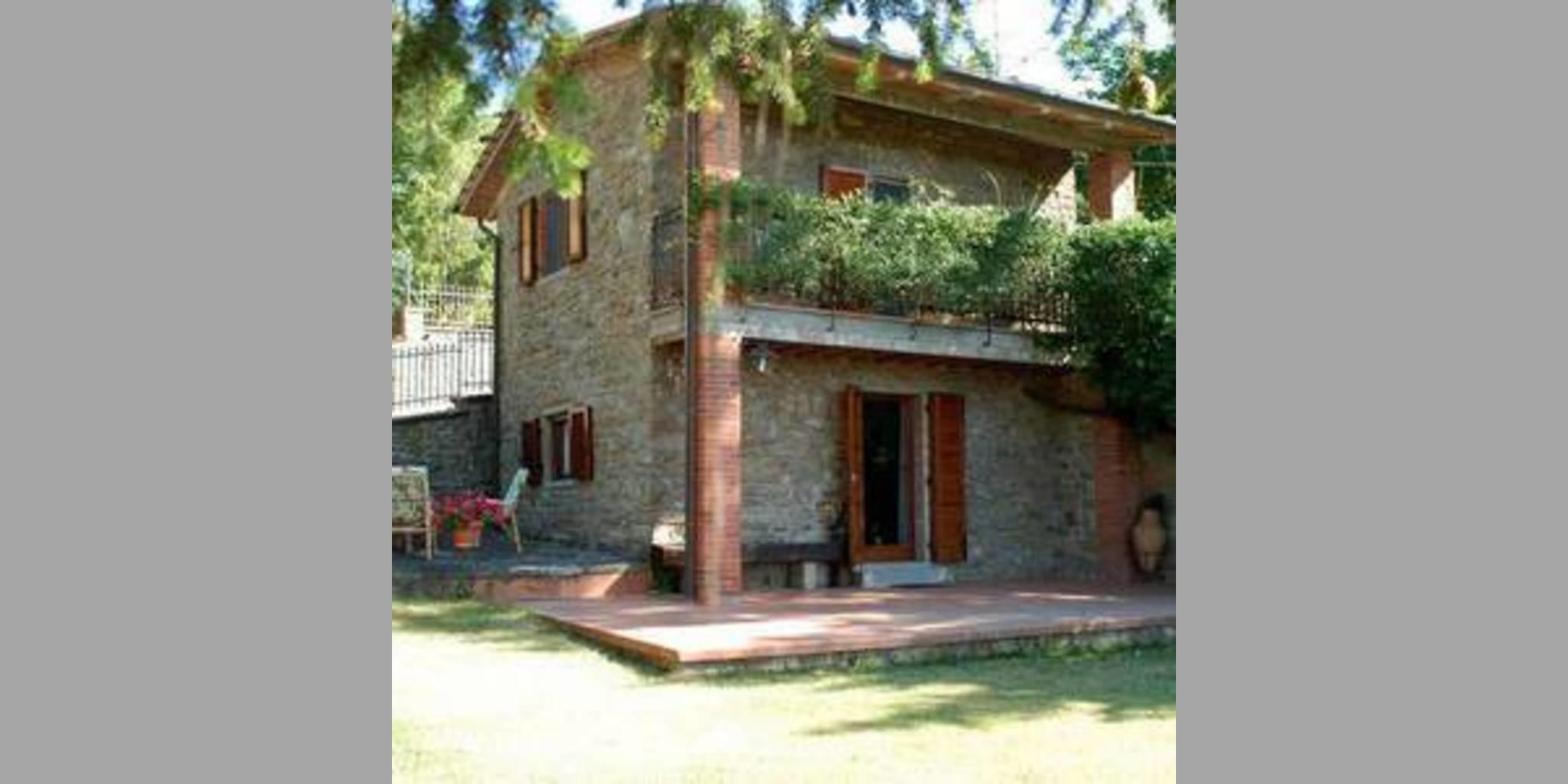 b_TY258_20120924115809_esterno_casa2.jpg